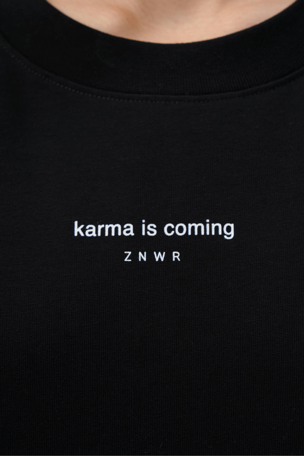 "Лонгслив ""karma is coming"""